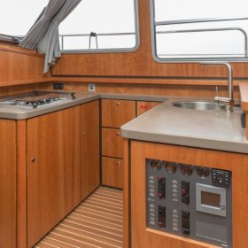 Linssen Grand Sturdy 40.9 AC - Pantry